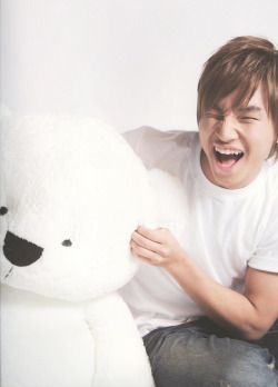 This one of daesung is cute :)