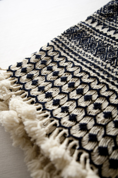 hellosmitten:  Hand woven brocaded and embroidered wool throw