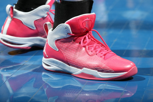 Check out Maya's custom pink Jordan sneakers in recognition of breast cancer awareness. (Getty Images/David Sherman)