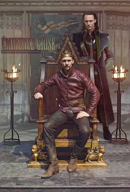 There is a fabulous fan fic in this. Is Loki the power behind Henry's throne or is he a projection of the darker part of Henry's own mind? Someone should write this. I don't have the time but I would read the shit out of it if someone else gave it a shot. Oh and here's the missing artist link