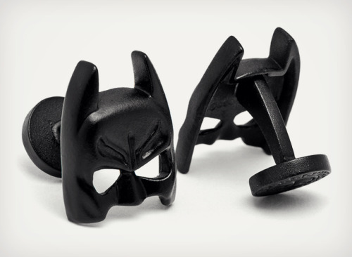 Batman Mask Cufflinks Channel the chic side of your crime fighting alter-ego with Satin Black Batman Mask Cufflinks. With the infamous DC Comics logo stamped into a fixed back closure, your Wayne Enterprises ensemble is now complete.