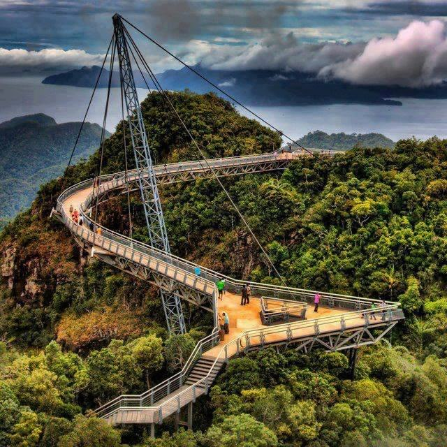 Sky Bridge in Langkawi, Malaysia. Awesome Architecture!
