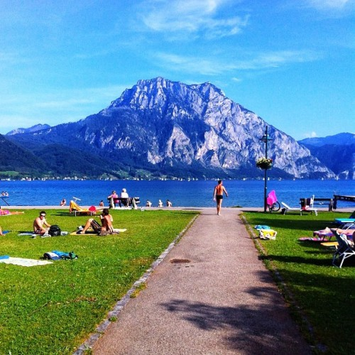Road to paradise #oö #traunsee #traunstein #paradise #vacation #swimming #sky #horizon #mountain #austria #nofilter #lake #goodtime #iphone4 #iphoneonly  (Taken with Instagram at Camping Traunsee)
