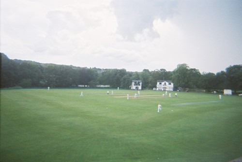 A cricket match in Saltaire. Was pleasantly surprised to see that Roberts Park now looks nothing like it used to when I went to school nearby back in the day… it's looking very, very nice these days!