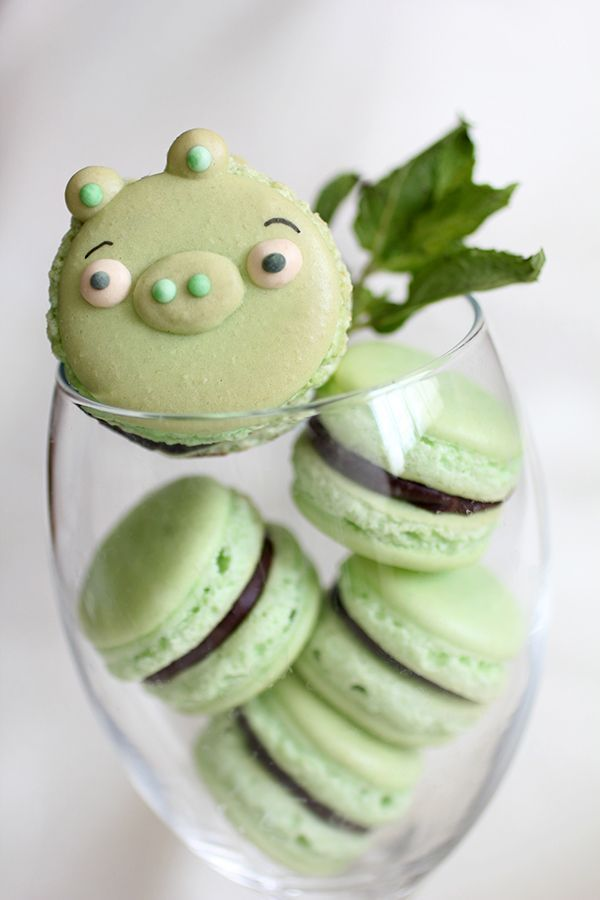 microwalrus:  Angry Birds Macarons » Design You Trust – Design Blog and Community