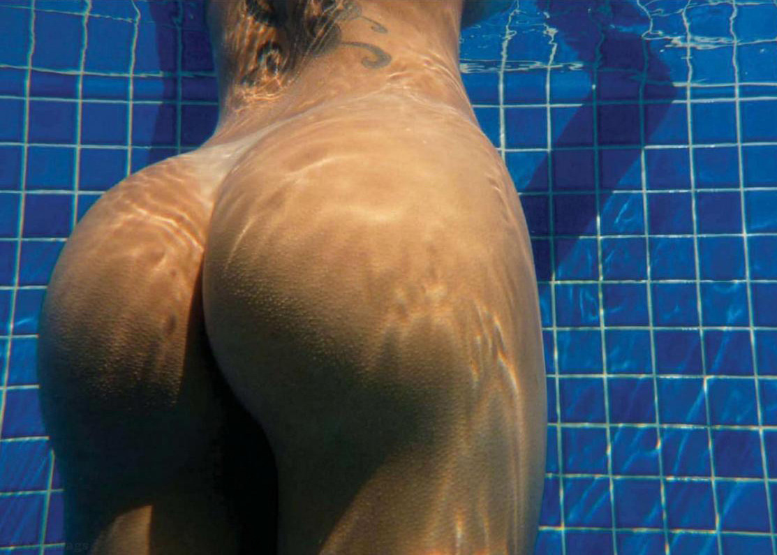 peacepax:  Claudia no. 2 - underwater booty