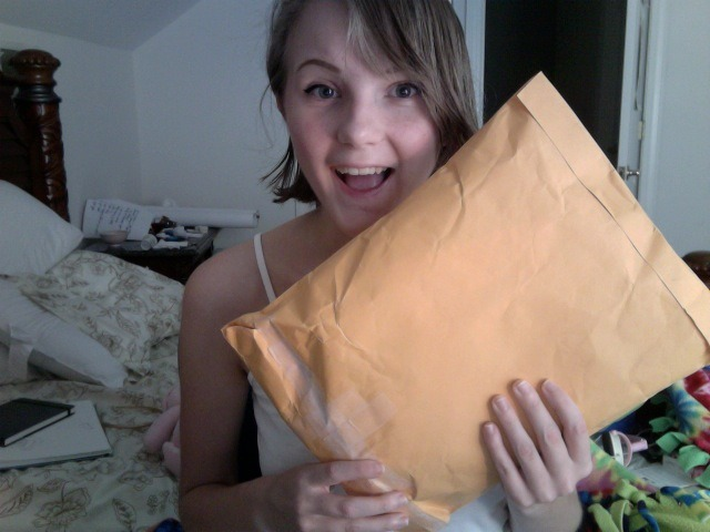 I GOT A PACKAGE!!!! I WONDER WHO IT'S FROm????