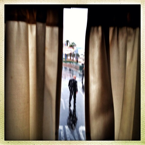 Las Vegas, NV | August 22, 2012 Secret Service Agent #photography #photojournalism #documentary #hipstamatic #campaign2012 #secretservice #lasvegas  (Taken with Instagram at The Las Vegas Strip)