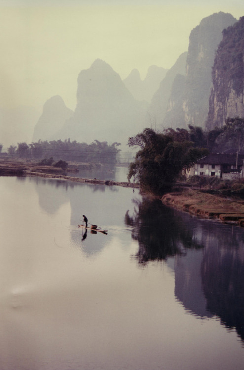 Landscape - Yangshuo Environs 1985 by David G (via touchdisky).