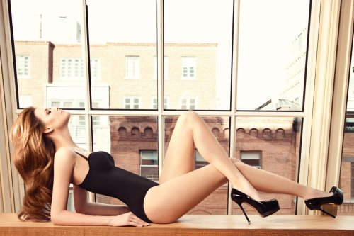 the-uber-sexy:  high—on—heels:  Follow High On Heels. Everything high heels and legs. Updated daily.