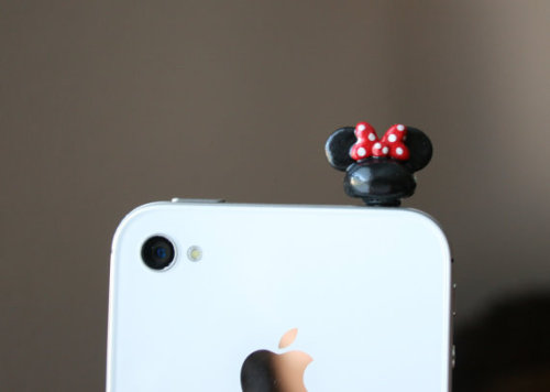 (via Mouse ears with bow smart phone dust plug by littleloveinc on Etsy) Here's a new dust plug on sale! Now you can choose between Mickey or Minnie :)