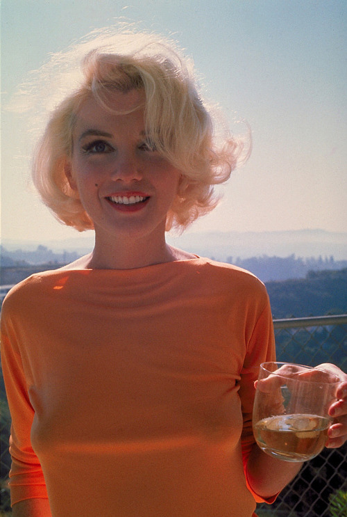 pussylequeer:  Marilyn Monroe in 1962   Sunshine!