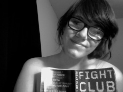 lamesurlefeu:  i guess it's national naked reading day  gotta love fight club =]