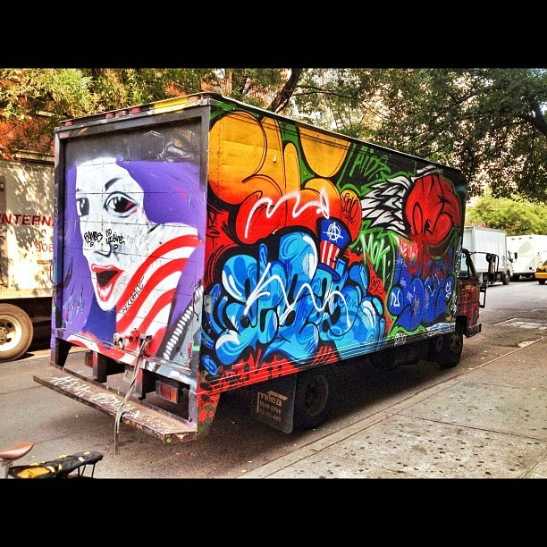 Rolling art @ St Marks.. Never gets old. #nyc #summer #graffiti #streetart #urbanart #colors #rollingart #thevillage #stmarks  (Taken with Instagram)