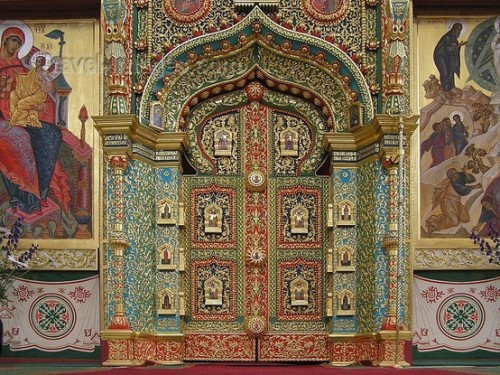 A beautiful Russian door by Hansol Kim.