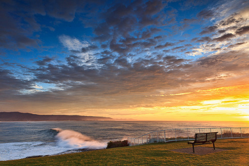 onlyteale:  Wollongong Sunrise #3 by stevoarnold on Flickr.