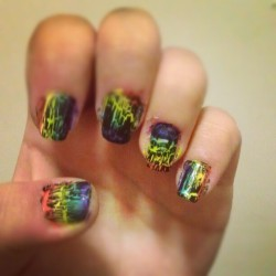 vintagevalues:  Rainbow stripes with black crackle :) #nailart #nails #rainbow #crackle #orange #yellow #green #blue #purple #black  (Taken with Instagram at Grace quads)