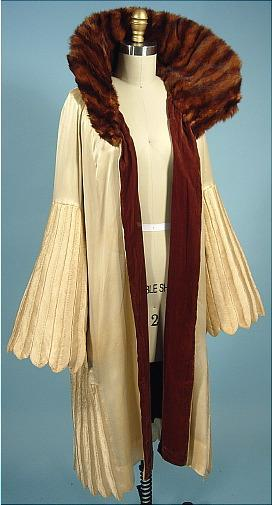 omgthatdress:  Coat Jeanne Lanvin, 1920s Antique Dress