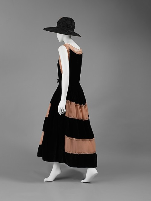 Robe de Style Jeanne Lanvin, 1922 The Metropolitan Museum of Art