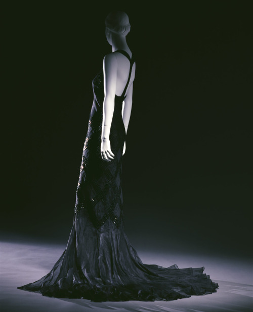 omgthatdress:  Evening Dress Jeanne Lanvin, 1934 The Kyoto Costume Institute  Dear Harriet Walter. Please wear this dress. Thank you. Love, Naomi.