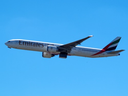Emirates 777 leaving Sydney.   Type: Boeing 777-36N(ER) Registration: A6-ECD Location: Kingsford Smith International Date: 27/11/2011