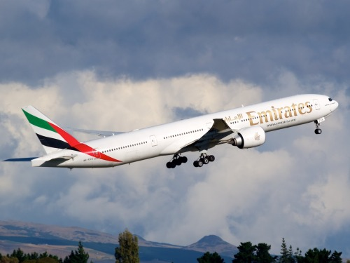 Emirates 777 departing from Christchurch bound for Sydney, Bangkok and Dubai.   Type: 777-31HER Registration: A6-ECE Location: Christchurch International Airport Date: 23/03/2012