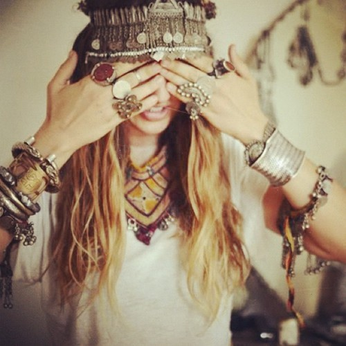 chunky jewelry love.