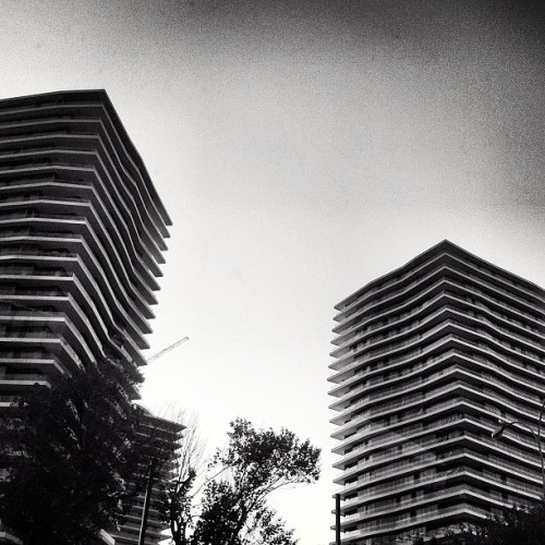 #igers #iphonesia #photitos #istanbul #building #bw #tower (Taken with Instagram at Gayrettepe)