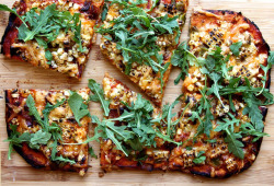 gastrogirl:  no-knead whole wheat pizza with corn, hatch chilies, and bacon.