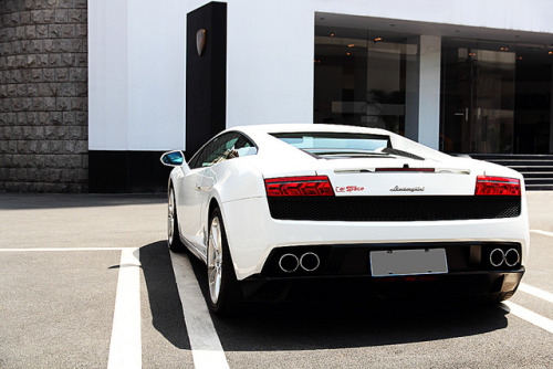 bostonb0y:  LP550-2 by This will do on Flickr.