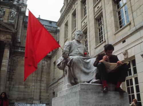 lecollecteur:  Bruno Barbey, Sorbonne University under student occupation. Paris, May 1968