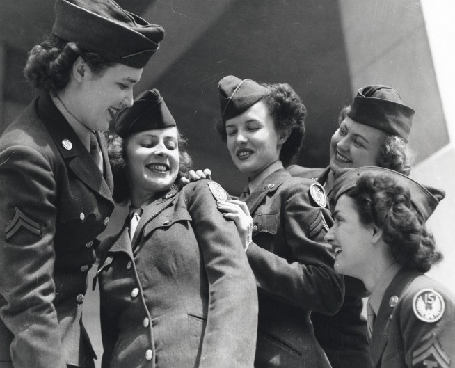 womenatwar:  Air WACs in WWII with new 15th AF shoulder sleeve insignia.