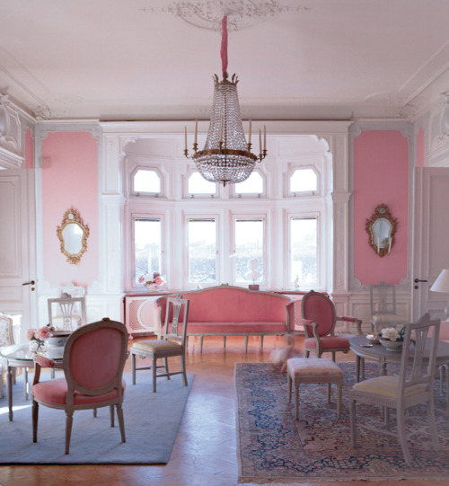Romantic in Stockholm with a bay window
