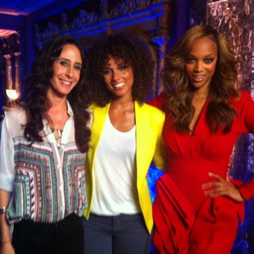 thekeysofalicia:  #ANTM premieres tonight! I'm so excited to be a guest on the show this season with my gurl TyTy @tyrabanks. I'm watching tonight, ya'all. (Taken with Instagram)