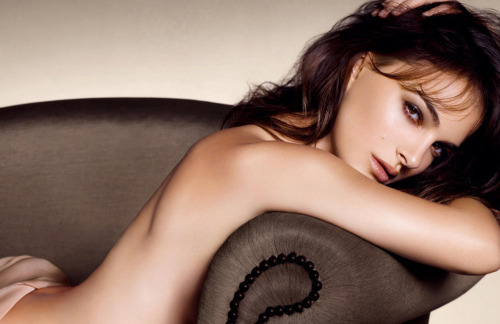 cocochic:  CAMPAIGNS // DIOR BEAUTY AW 12-13 Natalie Portman is beyond perfect in Dior's latest Autumn/Winter beauty campaign! It's very rare that I get excited about the makeup in photos (purely because I'm not much of an avid wearer myself) but I can't get enough of her look! Shot by Mario Sorrenti. FACEBOOK / TWITTER / LOOKBOOK