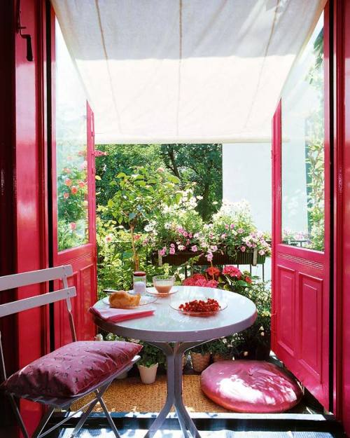 cozy shocking pink balcony