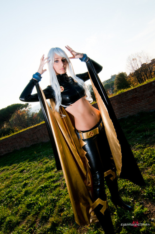 cosplay-thinspo:  cosplay Storm -5 by ~sadakochan87