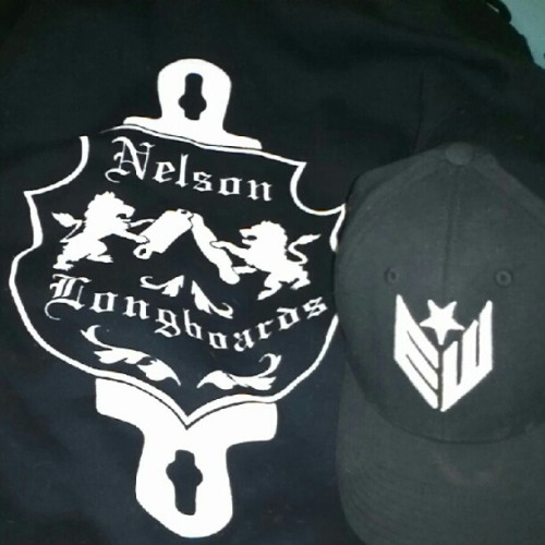 YUS! Got my hat and hoodie back! #Earthwing #NelsonLongboards #Breakupssuck  (Taken with Instagram)