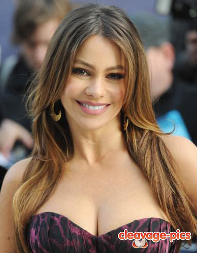 Sophia Vergara Cleavage