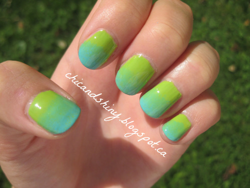 chicandshiny:  Bright Summer Gradient http://chicandshiny.blogspot.ca/2012/08/bright-summer-gradient.html