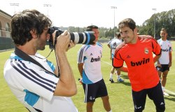 megustaelfutbol:  Along with this picture, Iker posted a link to an AS article about popular baby names. According to The Daily Mail, Iker is ranked #2 in celebrity-inspired boy names in the UK and US.  Iker is only rising in the U.S. following the sporting success of World Cup-winning goalkeeper Iker Casillas.