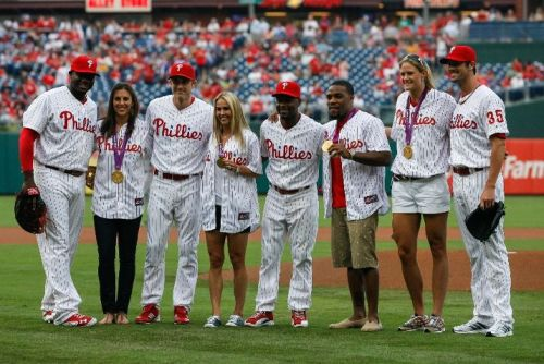 philadelphiaphillies:  Gold Medal Olympians Carli Lloyd, Heather Mitts, Jordan Burroughs, and Susan Francia all threw out the first pitch before tonight's game.