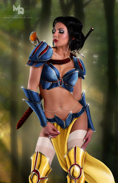 dirtydisneydames:  Snow White by ~kuhsor