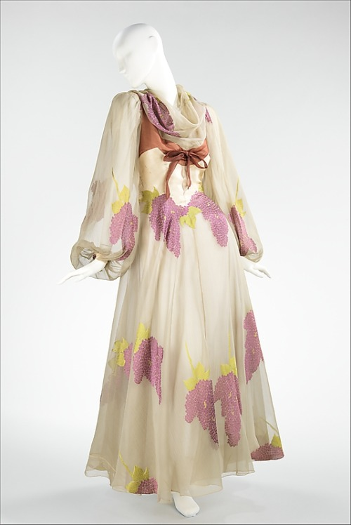 Evening Dress Charles James, 1944 The Metropolitan Museum of Art