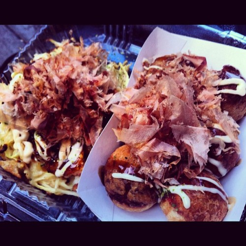 Best in town, for sure. #takoyaki #oknomiyaki #foodporn #instadaily #nyc #instafood #japanese #newyork #instagood #streeteats  (Taken with Instagram)