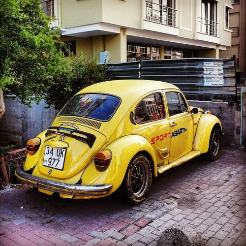#igers #iphonesia #photitos #istanbul #beettle #vw #herbie (Taken with Instagram at Bakirkoy)