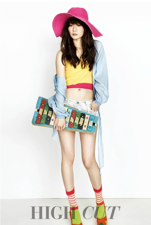 High Cut Korea Model: Bae Doo Na
