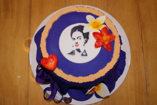 gabrielleangie:  We made a Frida Kahlo cake today. I really like it. The fondant almost looks like fabric. BUY OUR CAKES PEOPLE!!!!