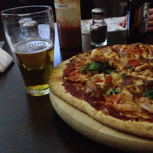 Rugby, beer & pizza w MsX - JACK POT (Taken with Instagram)