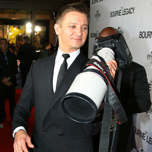 96/100 Pictures from Jeremy Renner